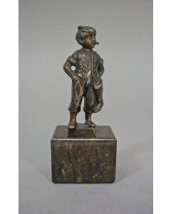 Bronzen beeldje van een schoenpoetsertje, ca. 1900
