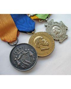 Spang van drie onderscheidingen van een koloniaal militair, 19e eeuw
