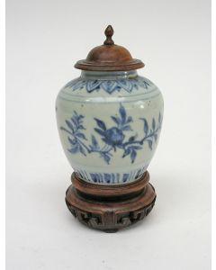 Chinees porseleinen buikvaasje, Ming periode, ca. 1600