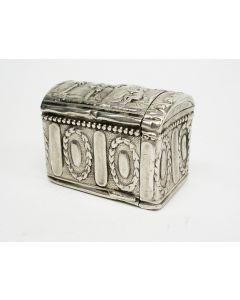 Zilveren snuifdoosje, koffertje, Cornelis van Hoek, Amsterdam 1790