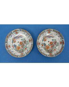 Stel Delft Doré borden met chinoiserie, 18e eeuw