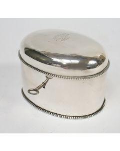 Zilveren theebus, gegraveerd met familiewapen Van Gorkum, 1889