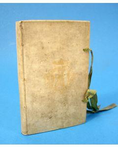 Jan Wagenaar- Vaderlandsche Historie verkort, en by Vraagen en Antwoorden voorgesteld (1758) in  perkamenten band waarop het stadswapen van Middelburg,