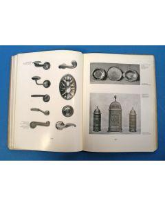 Deutsche Form im Kriegsjahr. Die Ausstellung 1914. Jahrbuch des Deutschen Werkbundes 1915.