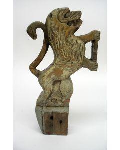 Volkskunstig houten ornament, Hollandse leeuw, 18e eeuw