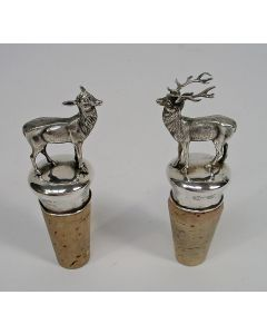 Stel zilveren sierkurken met edelhert en hinde