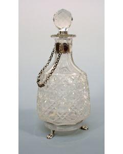 Kristallen azijnkaraf met zilveren monturen, 19e eeuw