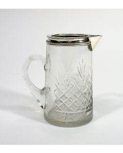 Ruit-waaierslijpsel kristallen roomkannetje met zilveren rand, ca. 1900