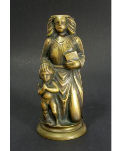 Koperen figuur, Heilige met kind, Dinanderie, 15e/16e eeuw