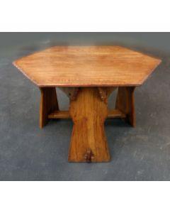Eikenhouten salontafel. A. J. Kropholler, ca. 1920