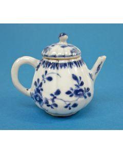 Chinees porseleinen theepotje, Qianlong periode