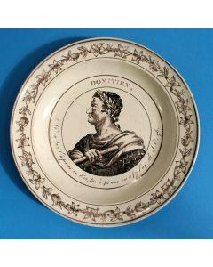 Faience bord met de voorstelling van Keizer Augustus, Montereau, ca. 1820