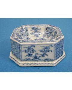 Chinees porseleinen zoutvat, Kangxi periode, 18e eeuw