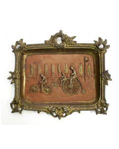 Vide-poche met wielerwedstrijd, ca. 1900