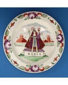 Staffordshire creamware bord met Madonnavoorstelling, voor de Nederlandse markt, 1823