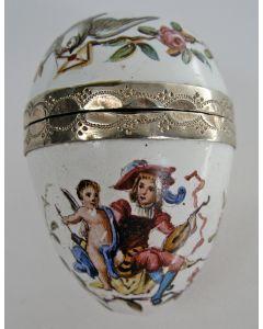 Kleine eivormige vinaigrette, emaille en zilver, 19e eeuw