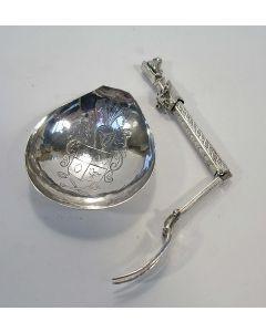Zilveren reisbestek in antieke trant, 19e eeuw