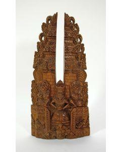 Balinees houtsnijwerk, model van een Balinese tempel.