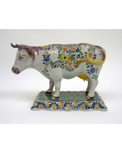 Aardewerk koe, Tichelaar Makkum, ca. 1900
