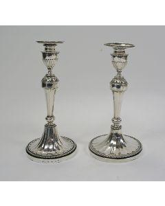 Twee zilveren kandelaars, Utrecht, 1807