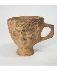 Terracotta drinkbekertje, Griekenland, 5e-3e eeuw voor Chr.