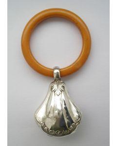 Zilveren rammelaar, art deco periode