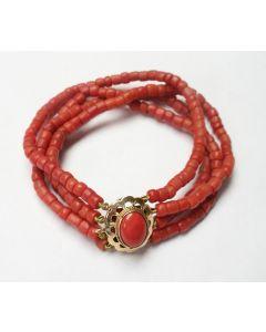 Bloedkoraal armband met gouden slot