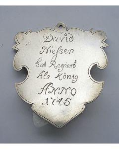 Zilveren koningsschild van een Duits schuttersgilde, met afbeelding van Koning David, 1745