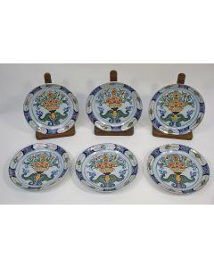 Serie van zes polychrome Delftse pannekoekborden, ca.1800