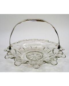 Kristallen soezenschaal met zilveren hengsel, 1877
