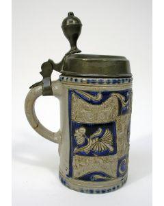 Bierkroes met tinnen deksel, Westerwald, 18e/19e eeuw