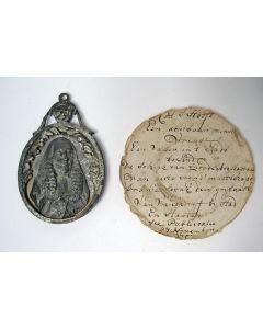 Tinnen Patriottisch draagteken en bijbehorend handschriftje,1787