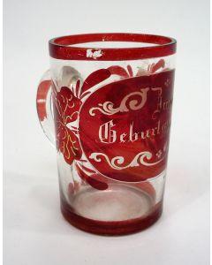 Überfang geslepen glazen verjaardagsbeker, 19e eeuw