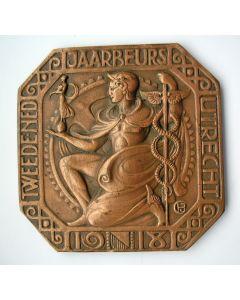Plaquette, Tweede Nederlandse Jaarbeurs, 1918, door Chris van der Hoef
