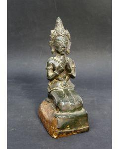 Knielende Boeddha, brons, Thailand, 14e/16e eeuw