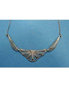 Zilveren collier met markasietjes, art deco periode