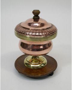 Koperen pijpkomfoor met deksel, 19e eeuw