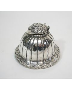 Oosterse zilveren inktpot
