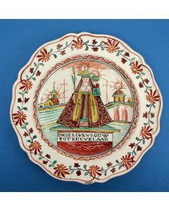 Staffordshire creamware bord met de Moeder Gods van Kevelaer, ca. 1800