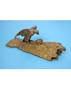 Weens bronzen documentenklem, havik en patrijzen, 19e eeuw