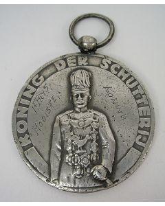 Prijspenning 'mooiste koning', Wapenschouw der Schutterijen, Weert 1948