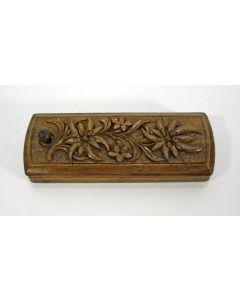 Bestoken houten postzegeldoosje, Schwarzwald, 19e eeuw