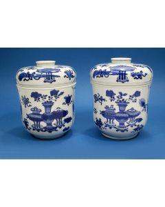 Stel Chinese porseleinen dekselpotten, Kangxi periode