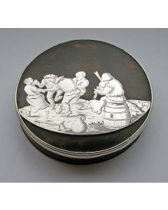 Schildpad en gegraveerd zilveren snuifdoos, ca. 1700