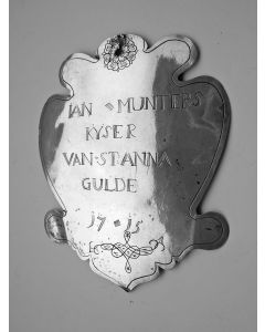 Zilveren schild van Jan Munters, keizer van het Sint Anna Gilde, Mellaer-Lummen (B), 1715