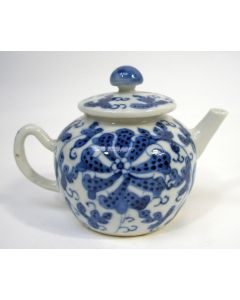 Chinees porseleinen theepotje, Kangxi periode