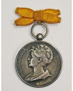 Prijspenning met afbeelding Koningin Wilhelmina, Tegelen 1923