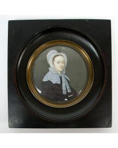 Portretminiatuur op ivoor, dame met neepjesmuts, ca. 1810